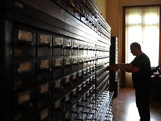 Nem kapnak béremelést a könyvtárosok, levéltárosok és múzeumi dolgozók