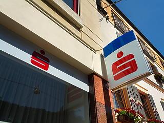 Átveheti az Erste az Aegon Lakástakarék ügyfeleit