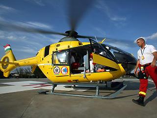 13 milliárdért vett a kormány mentőhelikoptereket, közbeszerzés nélkül