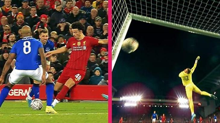 Az angol válogatott kapusa tehetetlen volt a 19 éves Curtis Jones lövésével szemben (BBC)