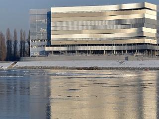 Szokatlan fordulat: olcsóbb lett a  vizes-vb-re épült Duna Aréna