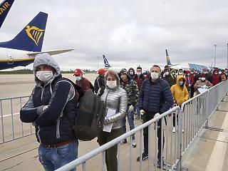 Az utasok helyett a légitársaságok pártjára állna több uniós tagállam is