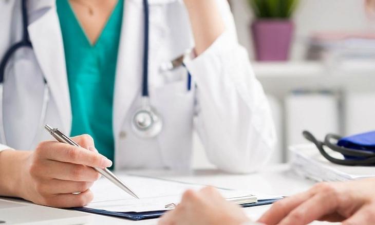 Hiába kötött a NEAK több háziorvossal szerződést, a rendszerben még nem láthatók. Fotó: Pixabay