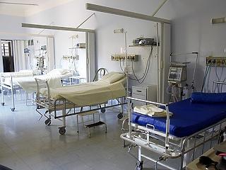 Hiába látnak el kevesebb beteget, tovább nő a kórházak eladósodottsága