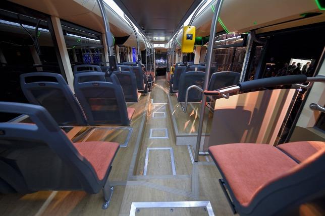 Az ITK Holding leányvállalata, az Inter Traction Electrics Kft. által fejlesztett busz prototípusa belülről. (fotó: MTI)