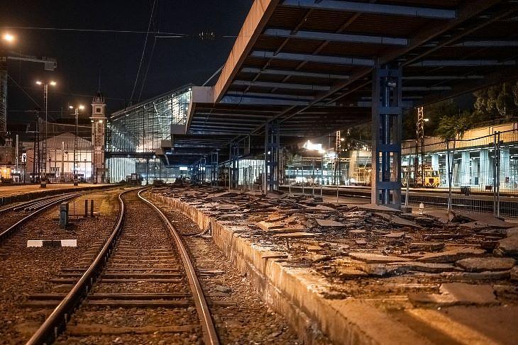 A peronokat is átépítik (fotó: MÁV)