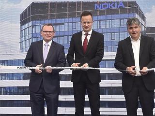 Szijjártóval az élen adták át a Nokia új budapesti irodaházát (fotók)