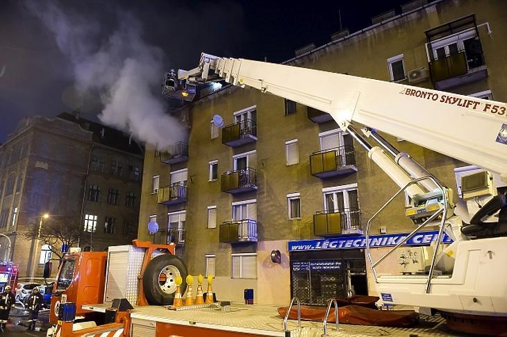 Lakástűz Budapesten. (Fotó: MTI)
