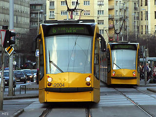 Mától buszok pótolják a 4-es és 6-os villamost a Nagykörúton