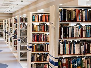 Milliárdos profit a Librinél, a Fidesz-közeli új tulajdonos már a könyvesbolton belül
