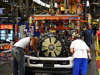 Mélyponton a munkanélküliség, magasban a foglalkoztatottság