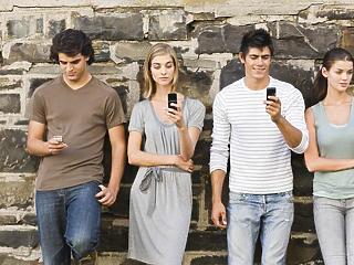 30 másodpercünk van a fiatalok megszólítására, utána reménytelen a helyzet