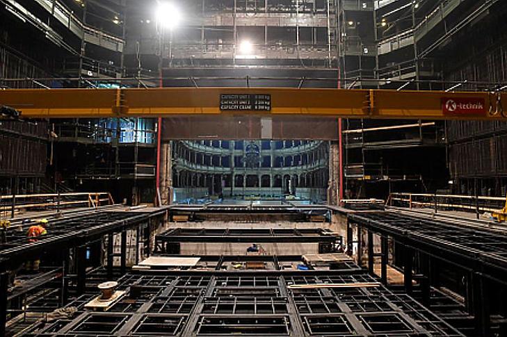 A teljes megújulás keretében nagyobb lesz a zenekari árok, a nézőtéren viszont kevesebb hely lesz az Operaházban (Fotó: MTI/Máthé Zoltán)