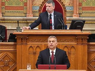Orbán: lezárjuk Magyarország határait