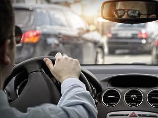 Egyre többen gondolják át, hogy autóba üljenek-e