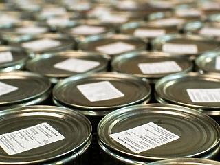 105 tonna élelmiszert és 7 ezer liter alkoholt vontak ki a forgalomból a hatóságok 4 hónap alatt