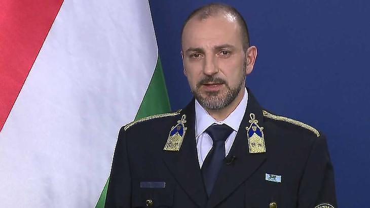 Kiss Róbert rendőr ezredes: Ha kell, visszafordítjuk az illetőt a határról. Fotó: mti