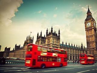 Két hét karantén a magyaroknak, ha Nagy-Britanniába utaznak