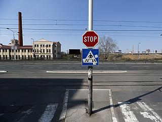 Szerbiában teljes kijárási tilalom jön a hétvégén