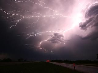 2 ezer beszakadt tető, 30 ezer fogyasztó áram nélkül - széttúrta Szabolcsot a csütörtöki vihar