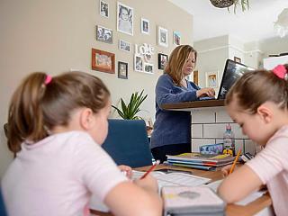 Az otthon maradó gyerekeknek lehet, hogy nyáron be kell pótolni a hiányzást