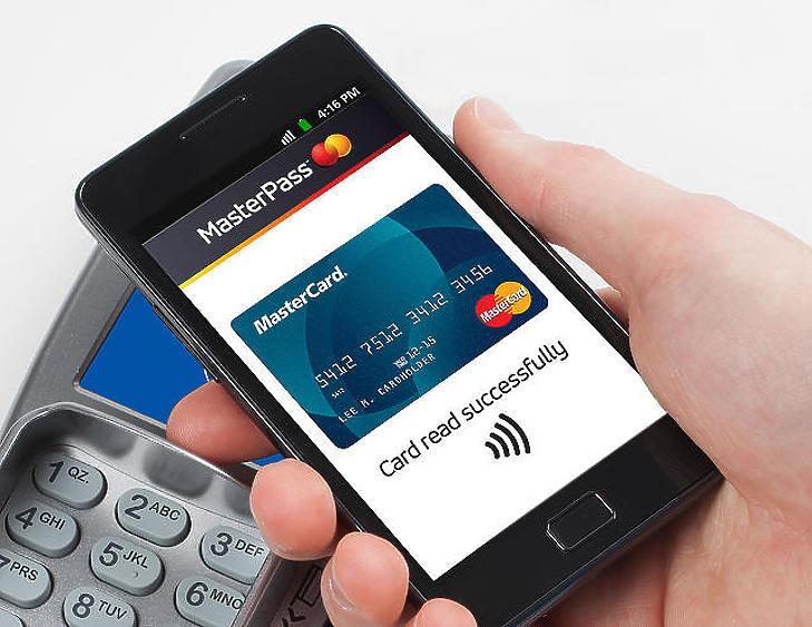 Végre az iPhone-osok is fizethetnek érintéssel