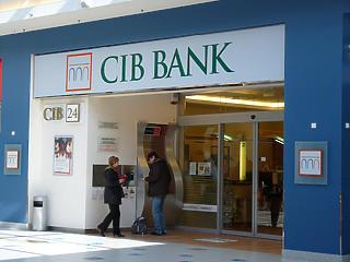 Nagyon ment a CIB-nek is az első félévben