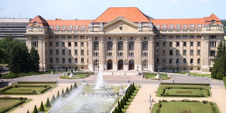 A legtöbbet a Gróf Tisza István Debreceni Alapítvány kapja. Fotó: MTI