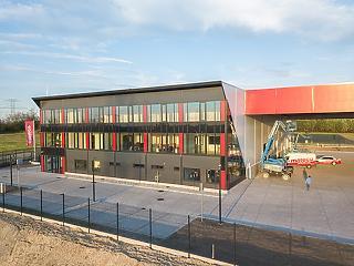 Világszínvonalú régióközpontot nyitott meg a Mateco-Hungary Győrben
