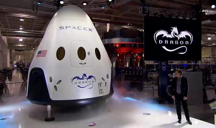 Elon Musk és a Crew Dragon