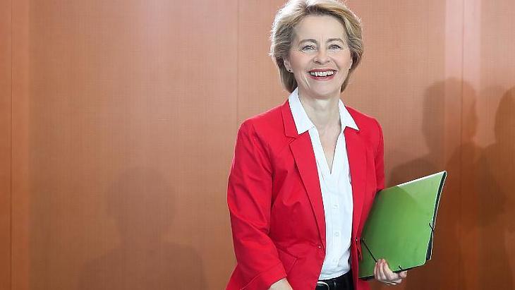 Ursula von der Leyen búcsút int a briteknek (Fotó: MTI/EPA/Hayoung Jeon)