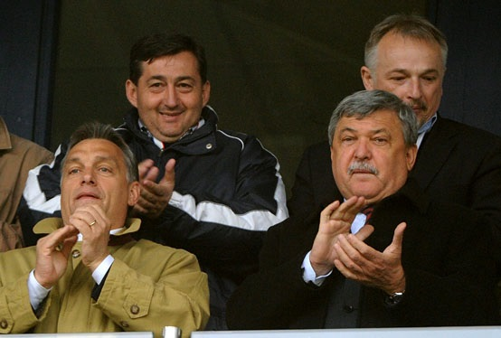 Orbán Viktor, Mészáros Lőrinc, Csányi Sándor és Hernádi Zsolt drukkolnak. (MTI Fotó: Illyés Tibor)