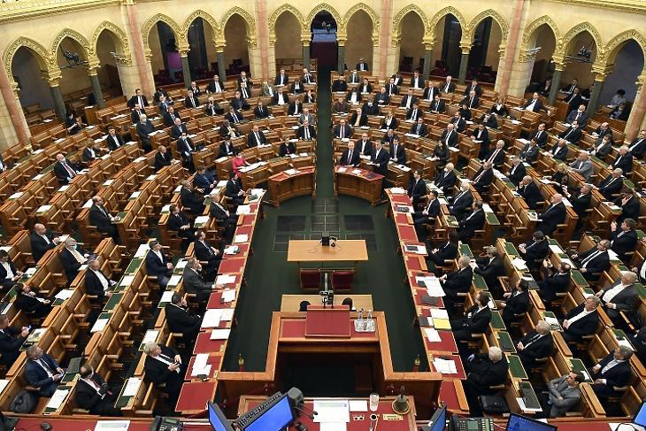 Orbán Viktor miniszterelnök napirend előtt felszólal az Országgyűlés plenáris ülésén 2020. március 23-án. MTI/Kovács Tamás