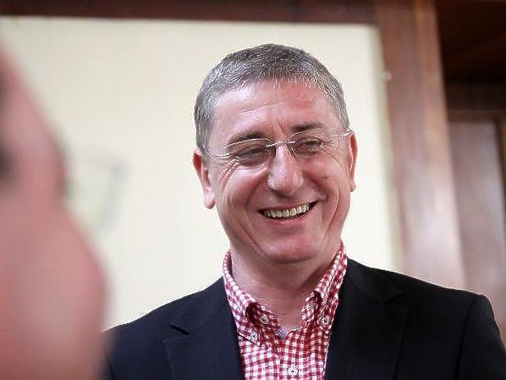 Gyurcsány Ferenc pártja, a DK feljelentést tesz