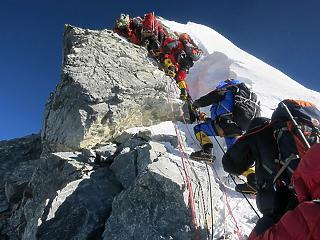 Így öl meg másodpercről másodpercre a Mount Everest halálzónája