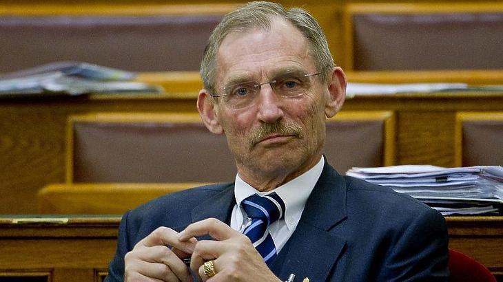 Pintér Sándor belügyminiszter felel az adatokért. Fotó: MTI
