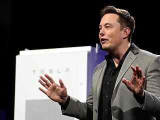 Mégsem hagyja ott a tőzsdét a Tesla