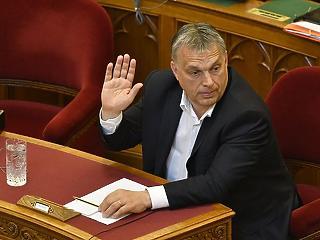 Orbán szerint ezt nem lehet megoldani: 37 506 forinttal kevesebbet keresnek a nők