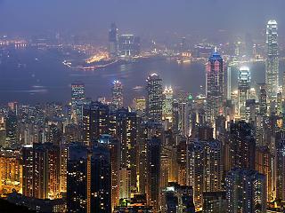 1900 milliárd forintot vertek el a szupergazdagok ingatlanra idén