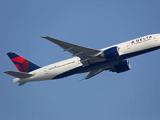 Durvulnak az eszközök: a Delta Air Lines 200 dolláros büntetést szab ki az oltatlan dolgozóinak