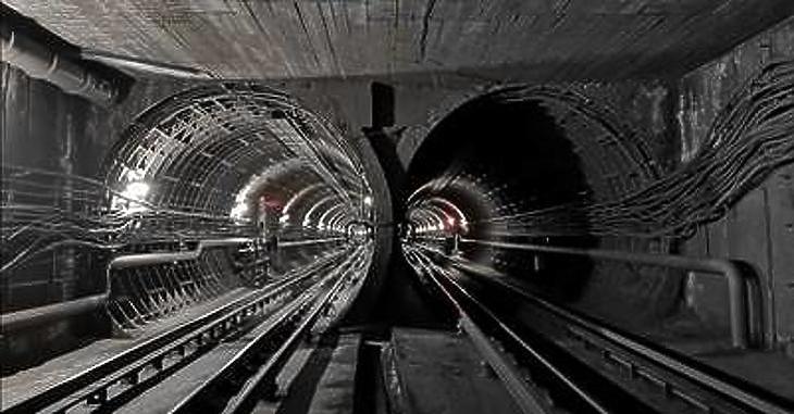 Hamarabb lesz meg a reptéri vasút, mint a metróvonal Újpalotáig