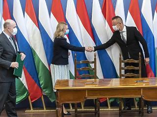 Áll a bál a Gazprommal kötött szerződésünk miatt - Szijjártó Péter bekéretett egy nagykövetet