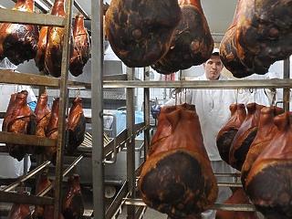 Óriási áremelkedés jöhet a húsáruknál