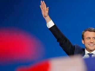 Macron szerint Európának helyre kell állítania a bizalmi viszonyt Oroszországgal
