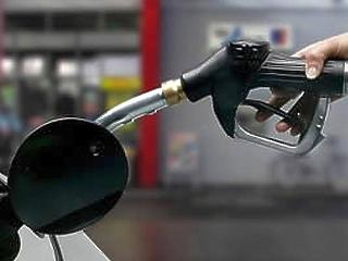Egyre több benzint zabálnak az autók