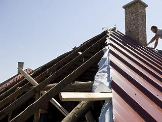Kirívóan nagy a hiány a tetőfedőknél