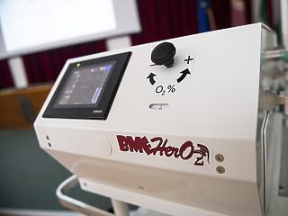 Lélegeztetőgépeket ajándékozunk a Kirgiz Köztársaságnak