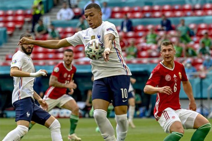 A franciák elleni döntetlen is kellett, hogy a fél ország kíváncsi legyen az utolsó meccsre (Fotó:  MTI/Kovács Tamás)
