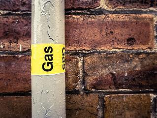 Mészáros cége ismét szerelheti a gázt