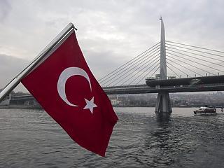 Trump megint megfenyegette a törököket